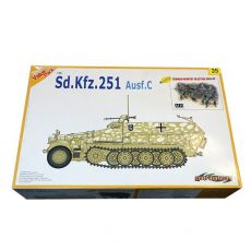 9135 БТ Sd.Kfz.251 Ausf.C + German Infantry In Action 1941-42 Figures Set